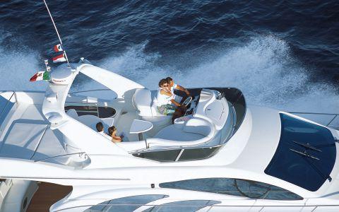 Luxury-Yacht-Azimut-50-Flybridge-3